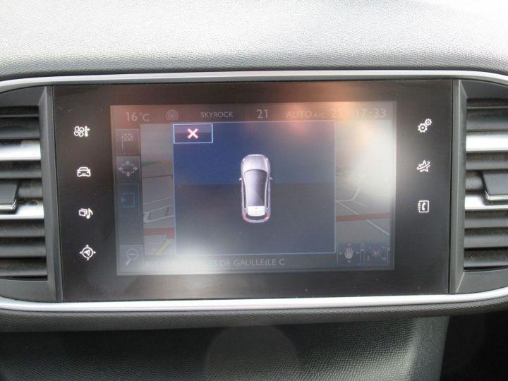 Peugeot 308 1.6 BLUEHDI 100CH S&S PREMIUM PACK Blanc - 10