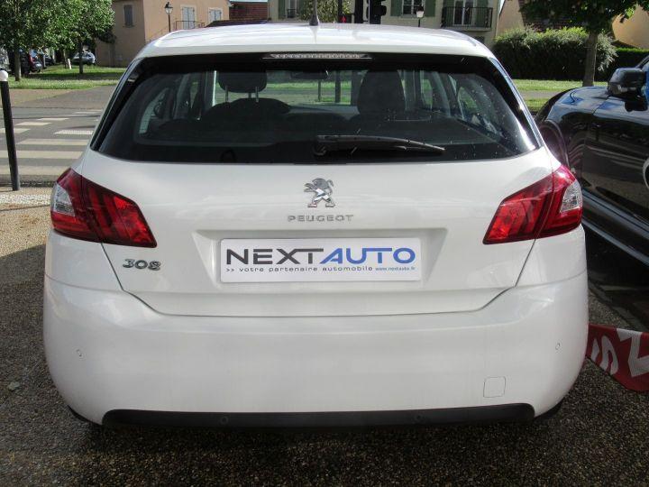 Peugeot 308 1.6 BLUEHDI 100CH S&S PREMIUM PACK Blanc - 11