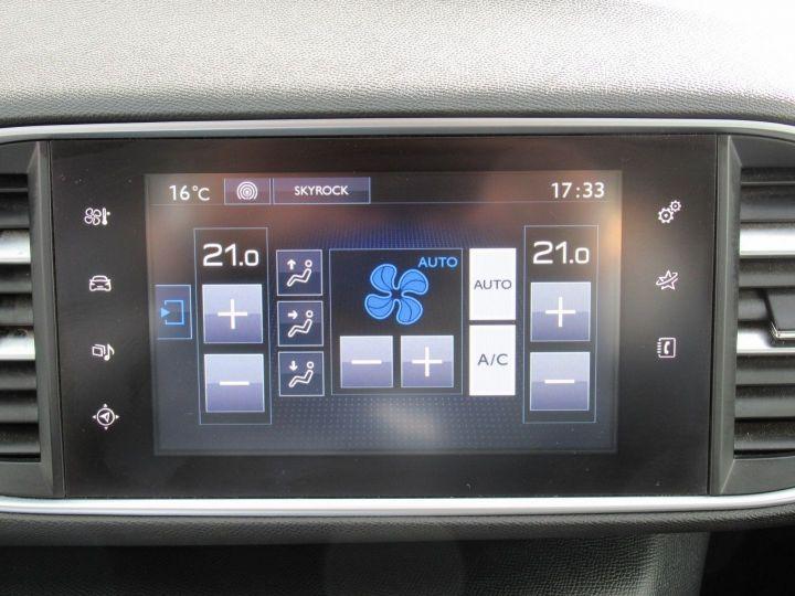 Peugeot 308 1.6 BLUEHDI 100CH S&S PREMIUM PACK Blanc - 14