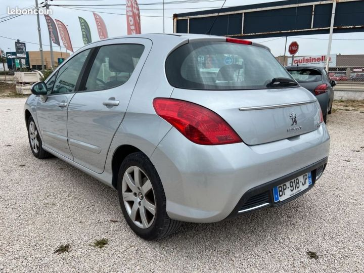 Peugeot 308 1.6 e-hdi 112 cv Gris Occasion - 4