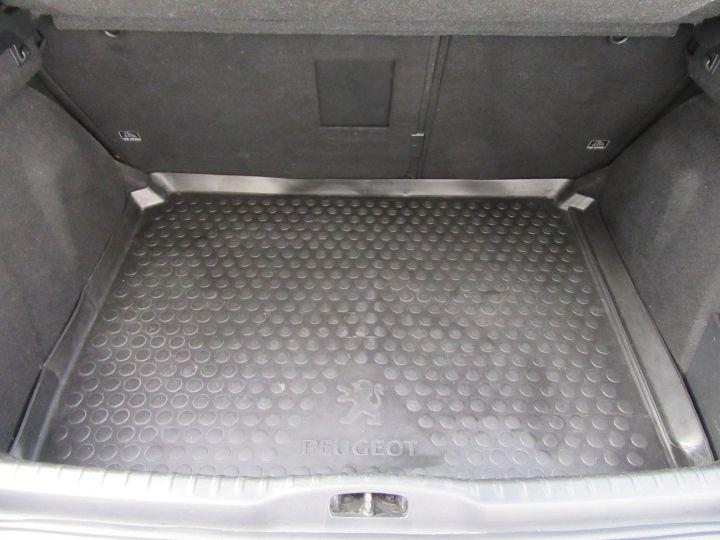 Peugeot 308 1.6 THP 16V PREMIUM BAA 150CH 5P Gris Fonce - 18