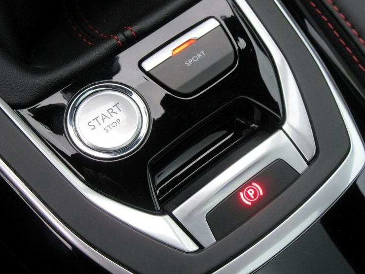 Peugeot 308 1.6 THP 270CH S&S BY SPORT Noir - 17