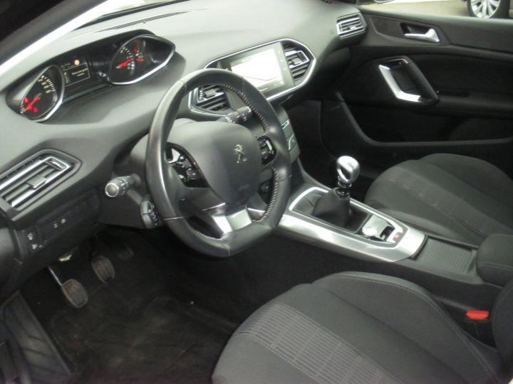 Peugeot 308 II 1.5 BlueHDi 130 1499 130cv ALLURE NOIR - 3