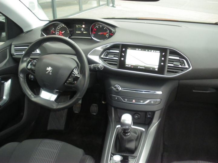 Peugeot 308 II 1.5 BlueHDi 130 1499 130cv ALLURE NOIR - 9