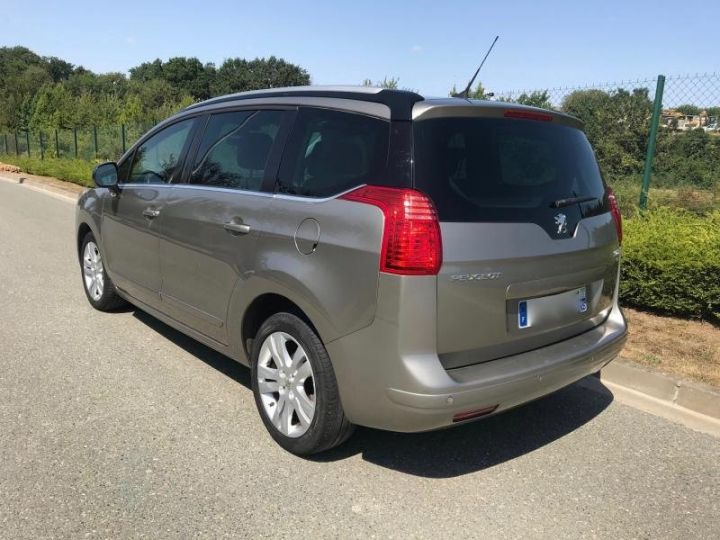 Peugeot 5008 1.6 HDI 112 ALLURE 7PL Gris Occasion - 2
