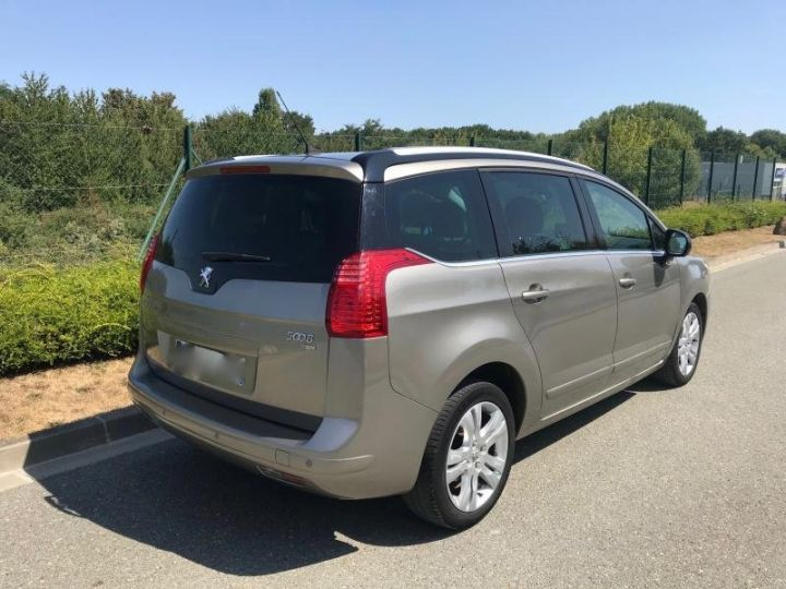 Peugeot 5008 1.6 HDI 112 ALLURE 7PL Gris Occasion - 5