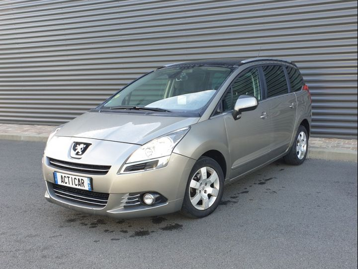 Peugeot 5008 1.6 hdi 115 family 7 places Beige Occasion - 1