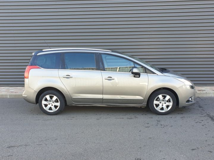 Peugeot 5008 1.6 hdi 115 family 7 places Beige Occasion - 3