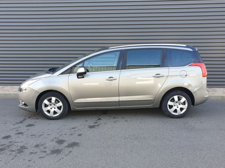 Peugeot 5008 1.6 hdi 115 family 7 places Beige Occasion - 4