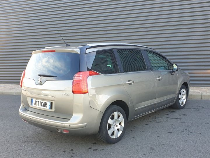 Peugeot 5008 1.6 hdi 115 family 7 places Beige Occasion - 18