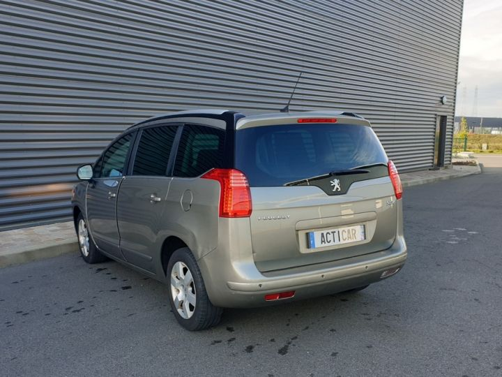 Peugeot 5008 1.6 hdi 115 family 7 places Beige Occasion - 19