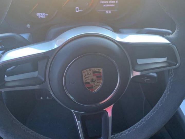 Porsche 718 Cayman gt4  - 11