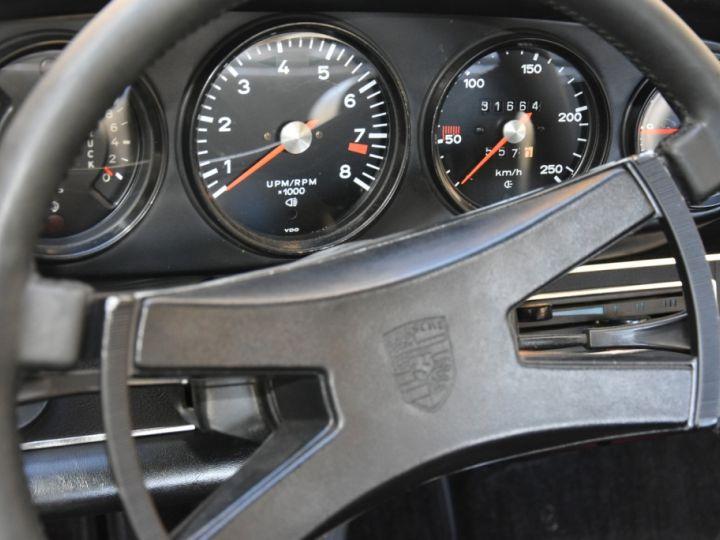 Porsche 911 2.4 S état Concours Jaune Signal - 12