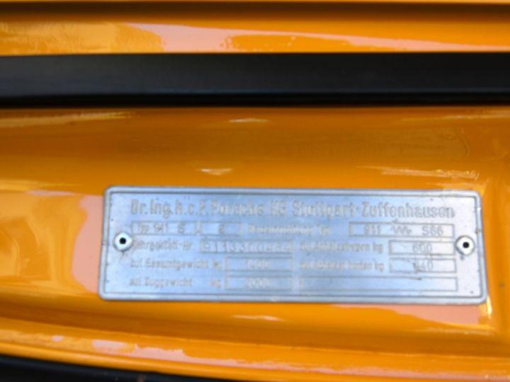 Porsche 911 2.4 S état Concours Jaune Signal - 18