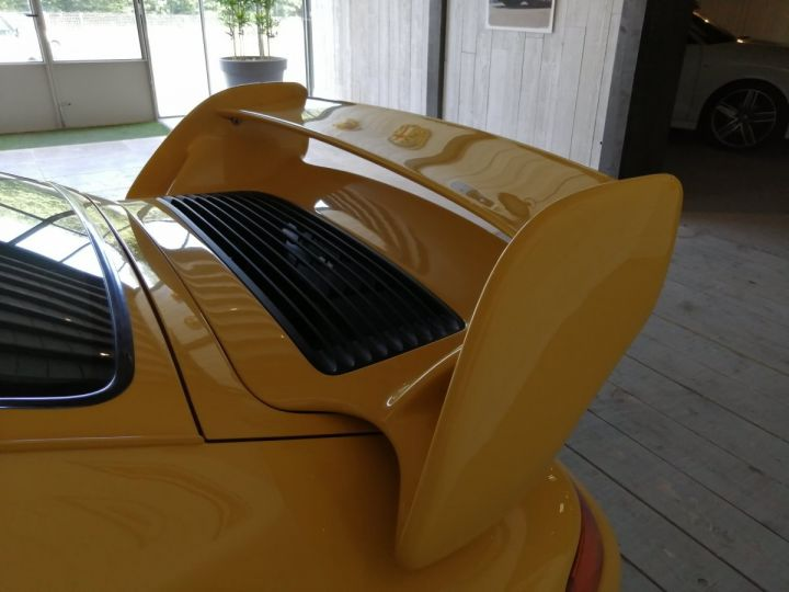 Porsche 911 993 CARRERA RS 3.8 300 CV CLUBSPORT Jaune - 6