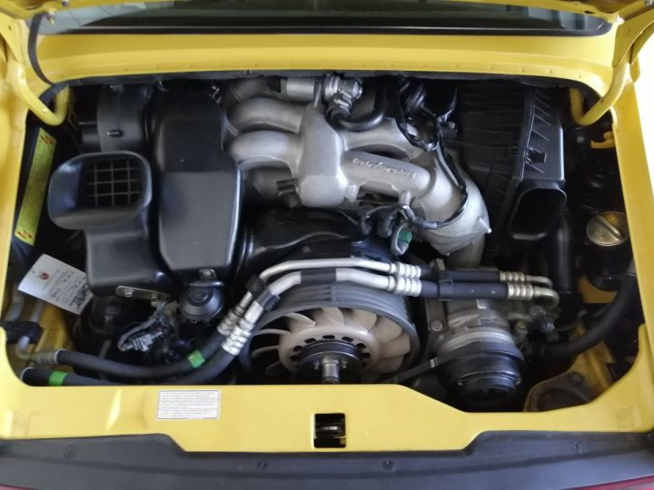 Porsche 911 993 CARRERA RS 3.8 300 CV CLUBSPORT Jaune - 9