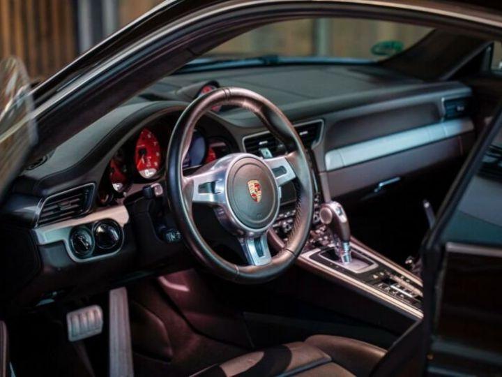 Porsche 911 Carrera 4S Prune Peinture métallisée - 8