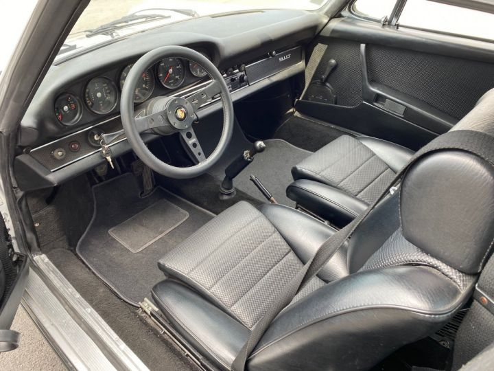 Porsche 911 Targa 2.2 T  - 10