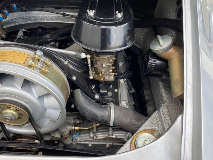 Porsche 911 Targa 2.2 T  - 13