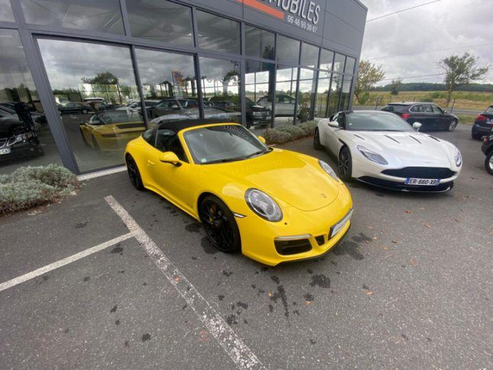 Porsche 911 Targa (991) 3.0 450CH 4 GTS Jaune - 9
