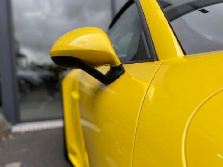 Porsche 911 Targa (991) 3.0 450CH 4 GTS Jaune - 10