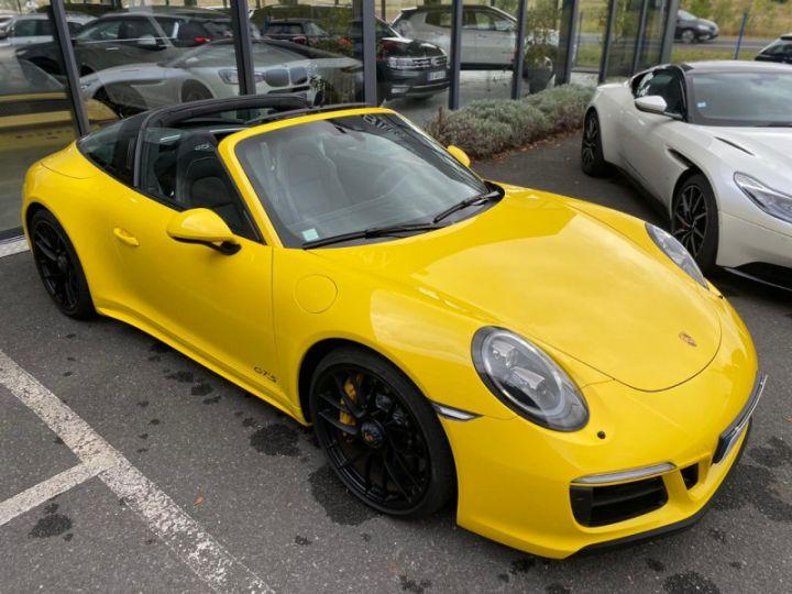 Porsche 911 Targa (991) 3.0 450CH 4 GTS Jaune - 11