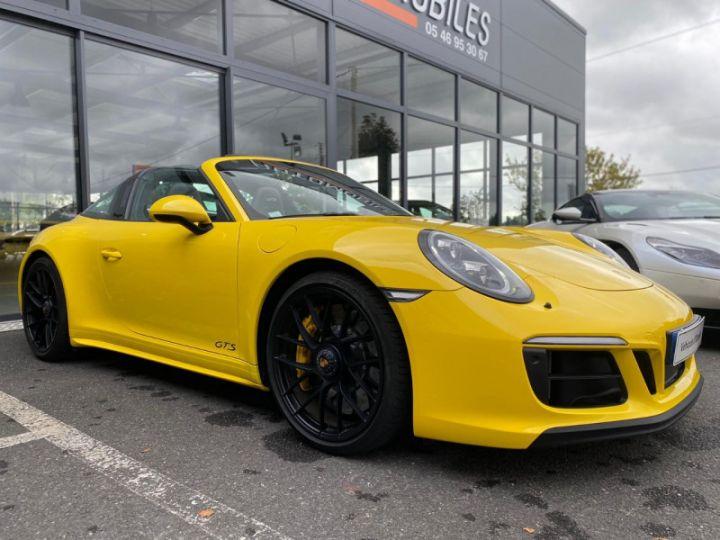 Porsche 911 Targa (991) 3.0 450CH 4 GTS Jaune - 12