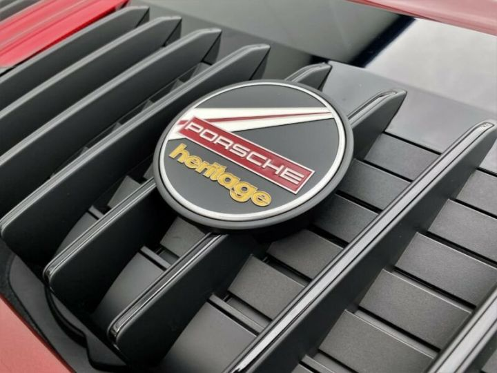 Porsche 911 Targa 992 4S Heritage Design Edition Rouge Cherry - 21