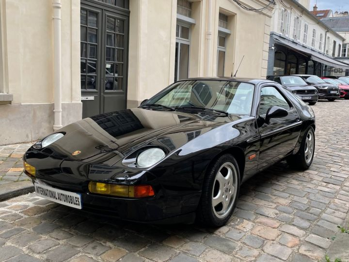 Porsche 928 GTS Noir Verni - 1