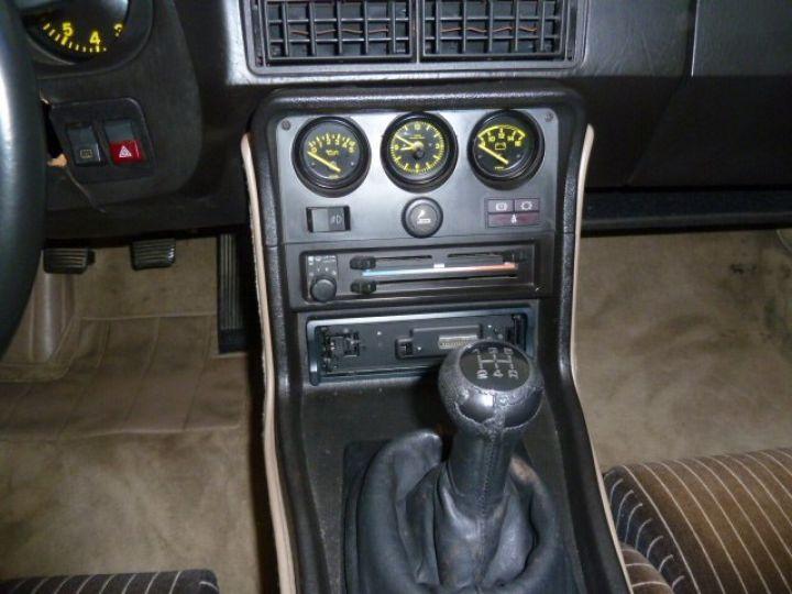 Porsche 944 ROTHMANS BLANC - 14