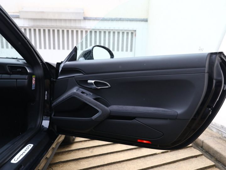Porsche 991 PORSCHE 991 CARRERA 4 GTS 3.8 430CV /PDK /PANO / ETAT NEUF 8500 KMS Noir - 31