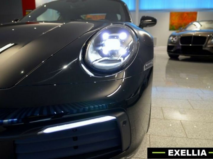 Porsche 992 Carrera Cabriolet noir peinture métallisé  Occasion - 1