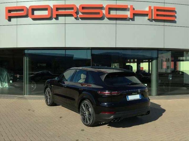Porsche Cayenne noir - 3