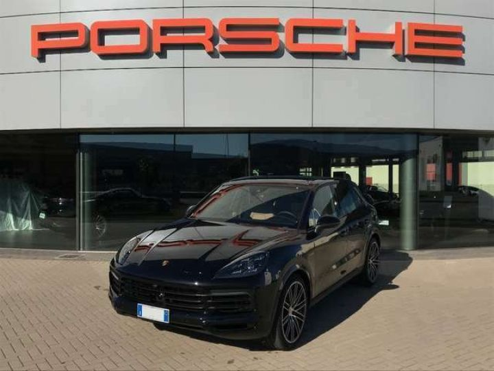 Porsche Cayenne noir - 11