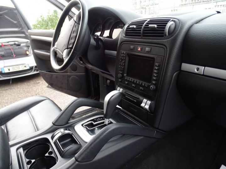 Porsche Cayenne 3.2L V6 250PS Tipt/Jantes 18  TOE  PDC  Bixénon  Ord n - 15