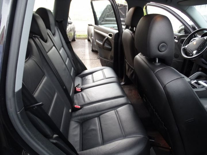 Porsche Cayenne 3.2L V6 250PS Tipt/Jantes 18  TOE  PDC  Bixénon  Ord n - 16