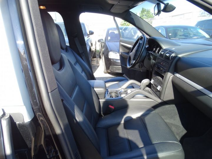 Porsche Cayenne 3.6L 290ps Tipt MK2 /Jtes 19 Cd Ord  noir metallisé - 15