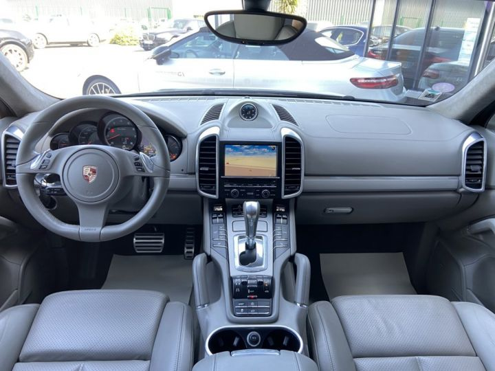 Porsche Cayenne 4.8 V8 TURBO 500ch TIPTRONIC S GRIS FONCE - 8