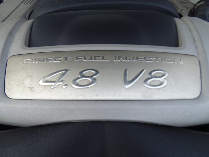 Porsche Cayenne Cayenne S 4.8L 385PS Tipt/PASM PCM Jtes 19 PDC BIXENON ORD noir metallisé - 18