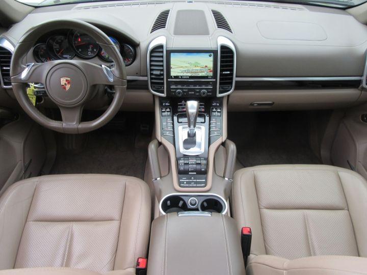 Porsche Cayenne DIESEL (958) 3.0L V6 245CH TIPTRONIC Terre D'ombre Occasion - 9