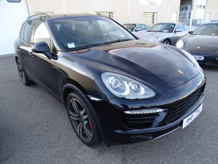 Porsche Cayenne II Turbo 4,8L V8 500CH / FULL OPTIONS noir métallisé - 2