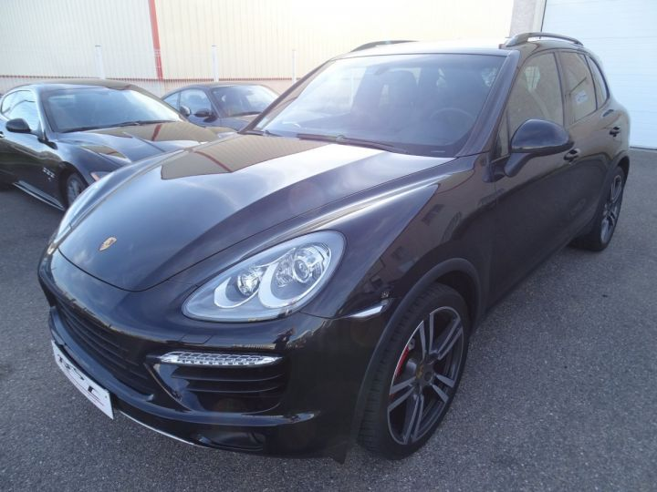 Porsche Cayenne II Turbo 4,8L V8 500CH / FULL OPTIONS noir métallisé - 3