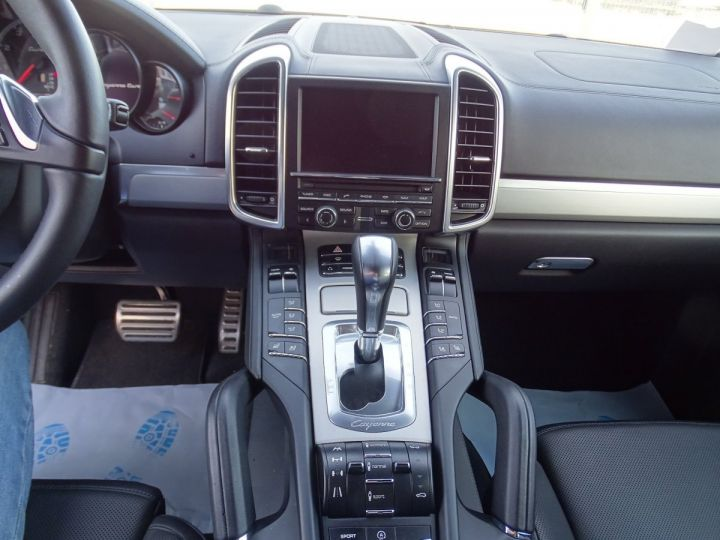Porsche Cayenne II Turbo 4,8L V8 500CH / FULL OPTIONS noir métallisé - 12