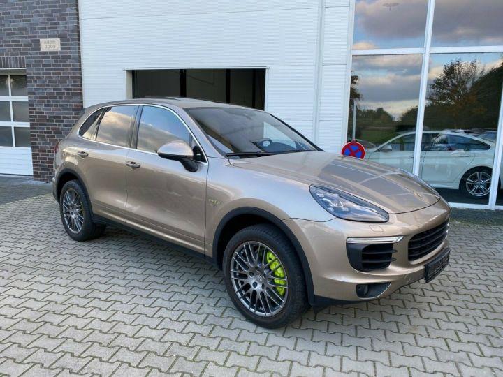 Porsche Cayenne Porsche Cayenne S E-Hybrid / Toit Panoramique / chauffage et ventilation des sièges/Garantie 12 Mois Beige - 1