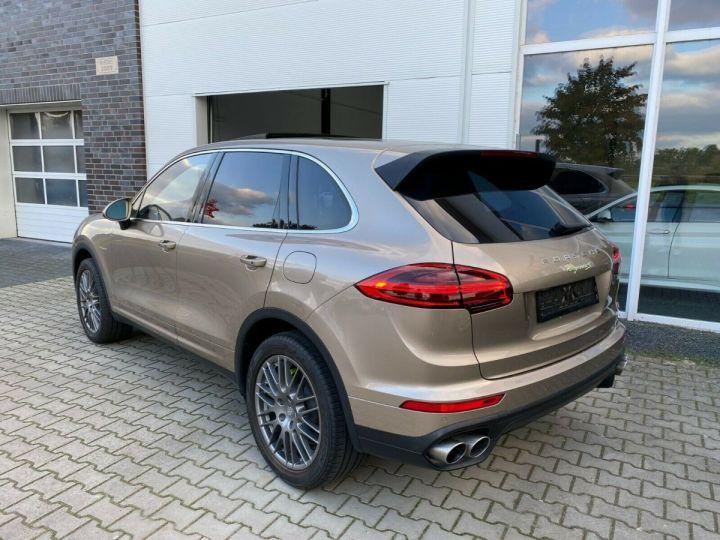 Porsche Cayenne Porsche Cayenne S E-Hybrid / Toit Panoramique / chauffage et ventilation des sièges/Garantie 12 Mois Beige - 3