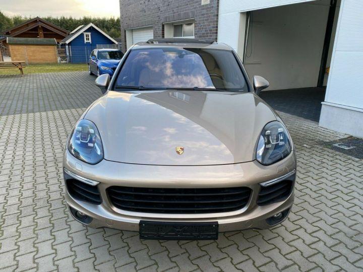 Porsche Cayenne Porsche Cayenne S E-Hybrid / Toit Panoramique / chauffage et ventilation des sièges/Garantie 12 Mois Beige - 8