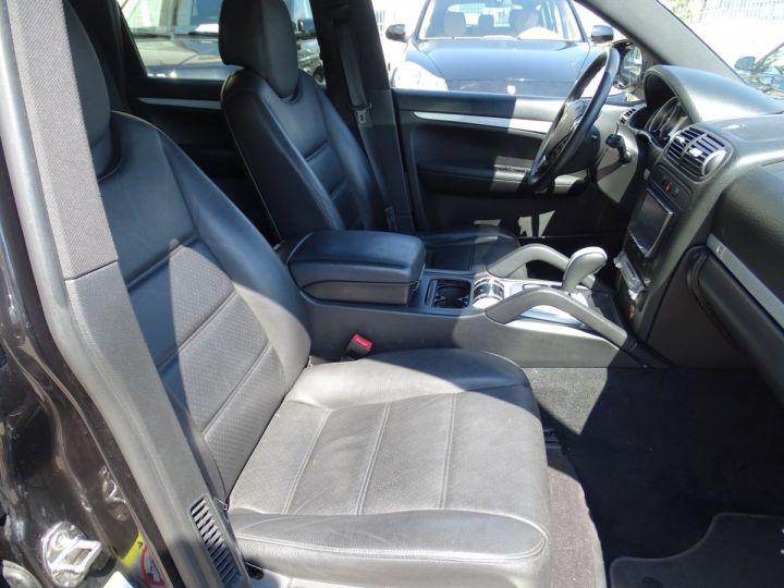 Porsche Cayenne S 4.8L V8 385Ps Tipt/PASM TOE panor PCM JTES 21  BIXENON  PDC Noir metallisé - 12