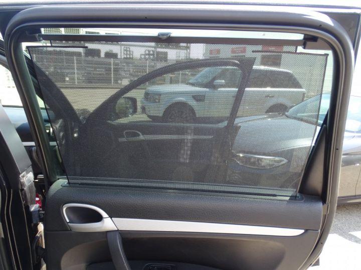 Porsche Cayenne S 4.8L V8 385Ps Tipt/PASM TOE panor PCM JTES 21  BIXENON  PDC Noir metallisé - 17