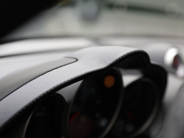 Porsche Cayman Design Edition 1 No 698/777 Noir - 29
