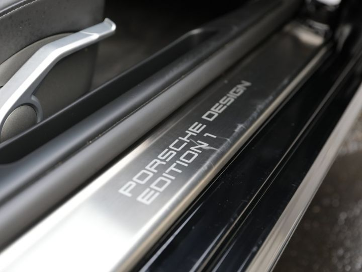Porsche Cayman Design Edition 1 No 698/777 Noir - 34